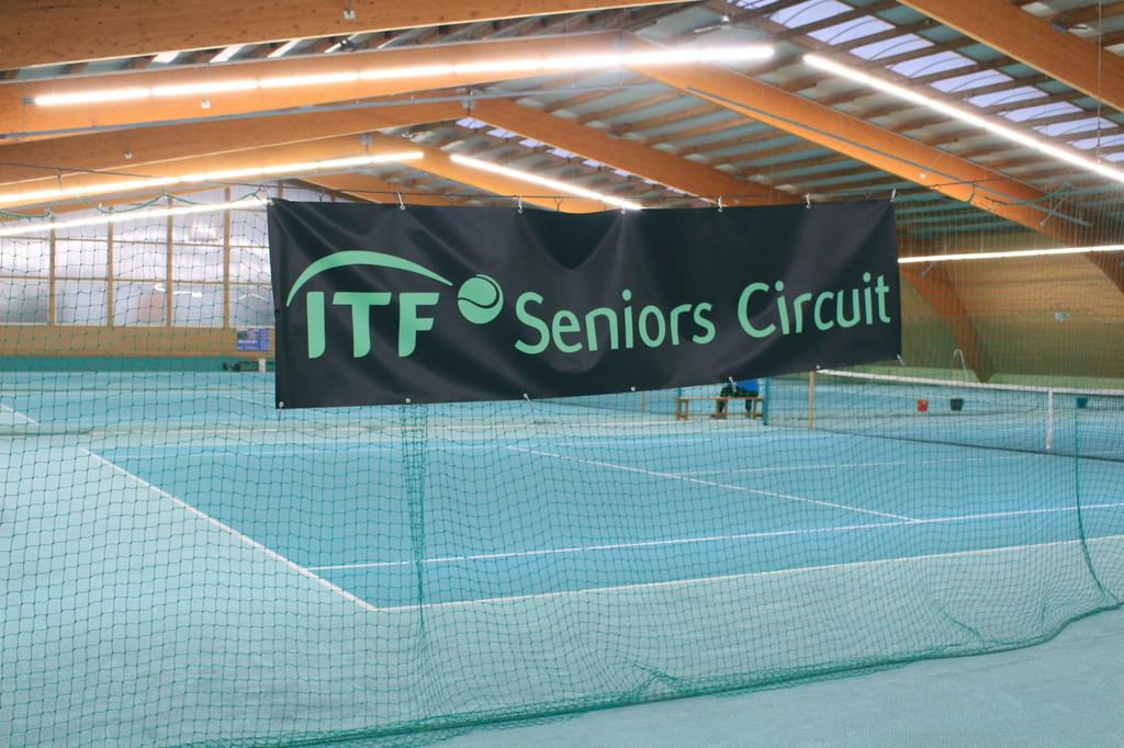 Tennishalle Holzheim